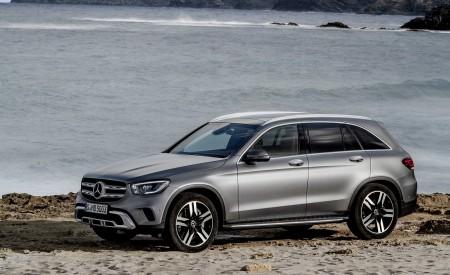 2020 Mercedes-Benz GLC (Color: Designo Selenite Grey Magno) Front Three-Quarter Wallpapers 450x275 (49)