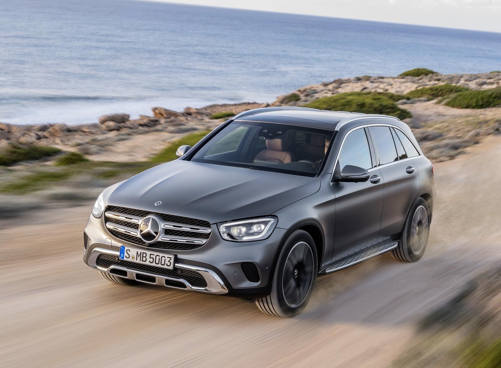 2020 Mercedes-Benz GLC (Color: Designo Selenite Grey Magno) Front Three-Quarter Wallpapers (7)