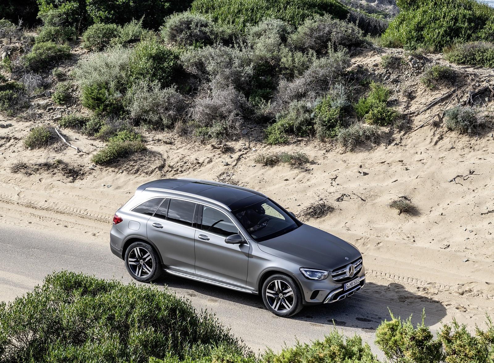 2020 Mercedes-Benz GLC (Color: Designo Selenite Grey Magno) Front Three-Quarter Wallpaper (15)