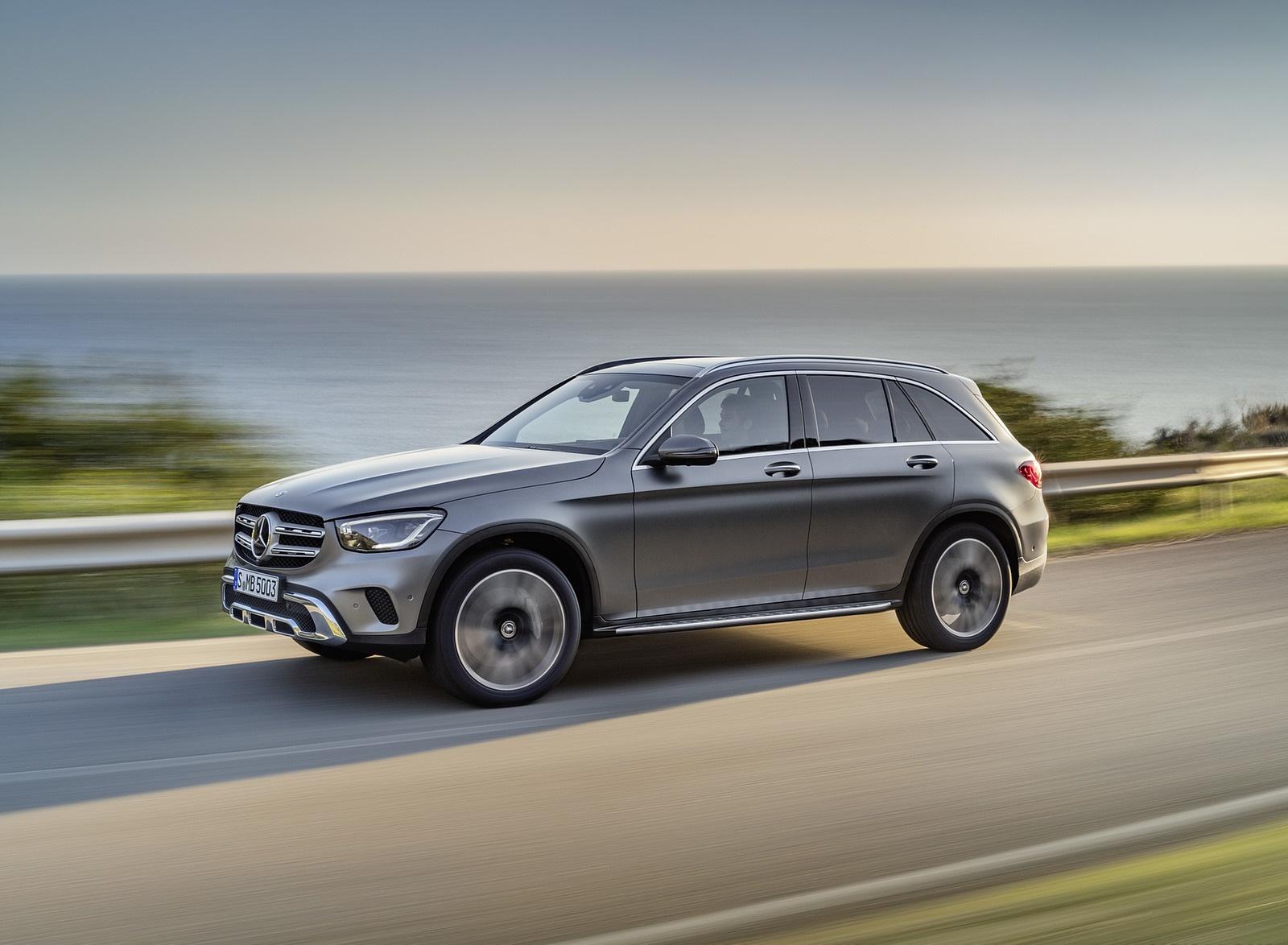 2020 Mercedes-Benz GLC (Color: Designo Selenite Grey Magno) Front Three-Quarter Wallpaper (2)