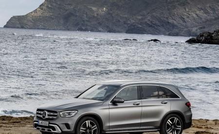 2020 Mercedes-Benz GLC (Color: Designo Selenite Grey Magno) Front Three-Quarter Wallpapers 450x275 (52)