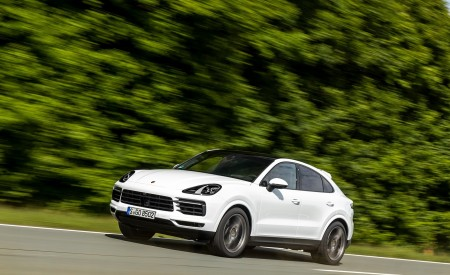2020 Porsche Cayenne Coupé (Color: Carrara White Metallic) Front Three-Quarter Wallpapers 450x275 (134)