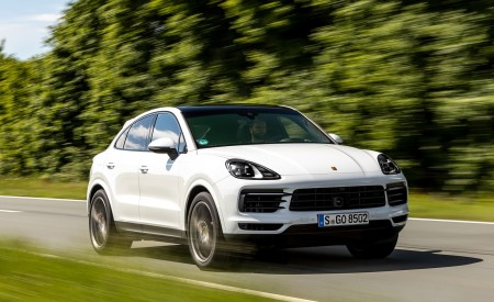 2020 Porsche Cayenne Coupé (Color: Carrara White Metallic) Front Three-Quarter Wallpapers 450x275 (131)