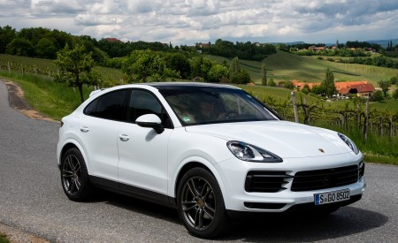 2020 Porsche Cayenne Coupé (Color: Carrara White Metallic) Front Three-Quarter Wallpapers 450x275 (150)