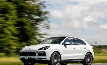 2020 Porsche Cayenne Coupé (Color: Carrara White Metallic) Front Three-Quarter Wallpapers 450x275 (148)