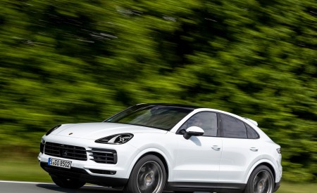 2020 Porsche Cayenne Coupé (Color: Carrara White Metallic) Front Three-Quarter Wallpapers 450x275 (135)