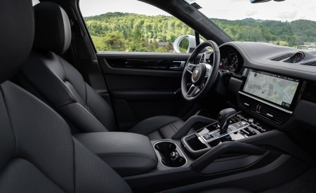 2020 Porsche Cayenne Coupé (Color: Carrara White Metallic) Interior Front Seats Wallpapers 450x275 (167)