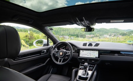 2020 Porsche Cayenne Coupé (Color: Carrara White Metallic) Interior Wallpapers 450x275 (172)