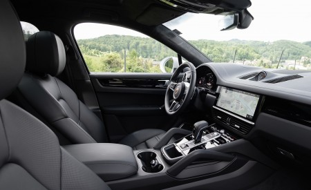 2020 Porsche Cayenne Coupé (Color: Carrara White Metallic) Interior Wallpapers 450x275 (170)
