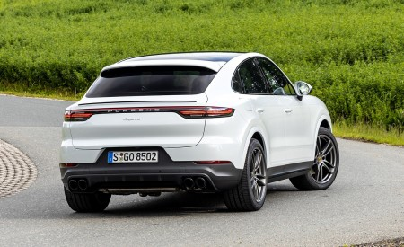 2020 Porsche Cayenne Coupé (Color: Carrara White Metallic) Rear Three-Quarter Wallpapers 450x275 (151)