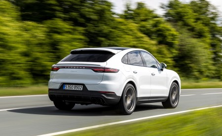 2020 Porsche Cayenne Coupé (Color: Carrara White Metallic) Rear Three-Quarter Wallpapers 450x275 (137)