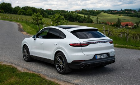 2020 Porsche Cayenne Coupé (Color: Carrara White Metallic) Rear Three-Quarter Wallpapers 450x275 (152)