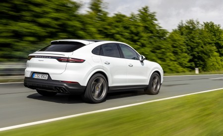 2020 Porsche Cayenne Coupé (Color: Carrara White Metallic) Rear Three-Quarter Wallpapers 450x275 (139)