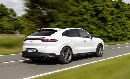 2020 Porsche Cayenne Coupé (Color: Carrara White Metallic) Rear Three-Quarter Wallpapers 450x275 (140)