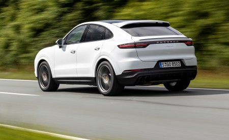 2020 Porsche Cayenne Coupé (Color: Carrara White Metallic) Rear Three-Quarter Wallpapers 450x275 (141)