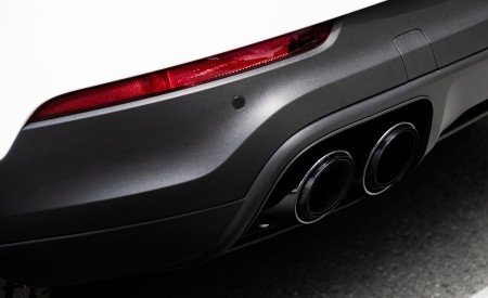 2020 Porsche Cayenne Coupé (Color: Carrara White Metallic) Tailpipe Wallpapers 450x275 (156)