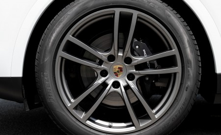 2020 Porsche Cayenne Coupé (Color: Carrara White Metallic) Wheel Wallpapers 450x275 (155)