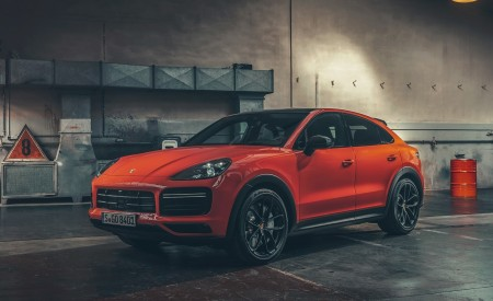 2020 Porsche Cayenne Coupe Front Three-Quarter Wallpapers 450x275 (192)