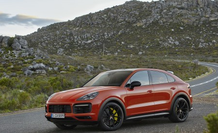 2020 Porsche Cayenne Coupe Front Three-Quarter Wallpapers 450x275 (181)