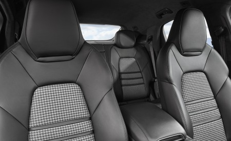 2020 Porsche Cayenne Coupe Interior Front Seats Wallpapers 450x275 (189)