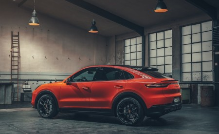 2020 Porsche Cayenne Coupe Rear Three-Quarter Wallpapers 450x275 (193)