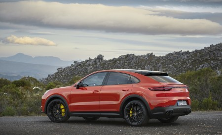 2020 Porsche Cayenne Coupe Rear Three-Quarter Wallpapers 450x275 (182)