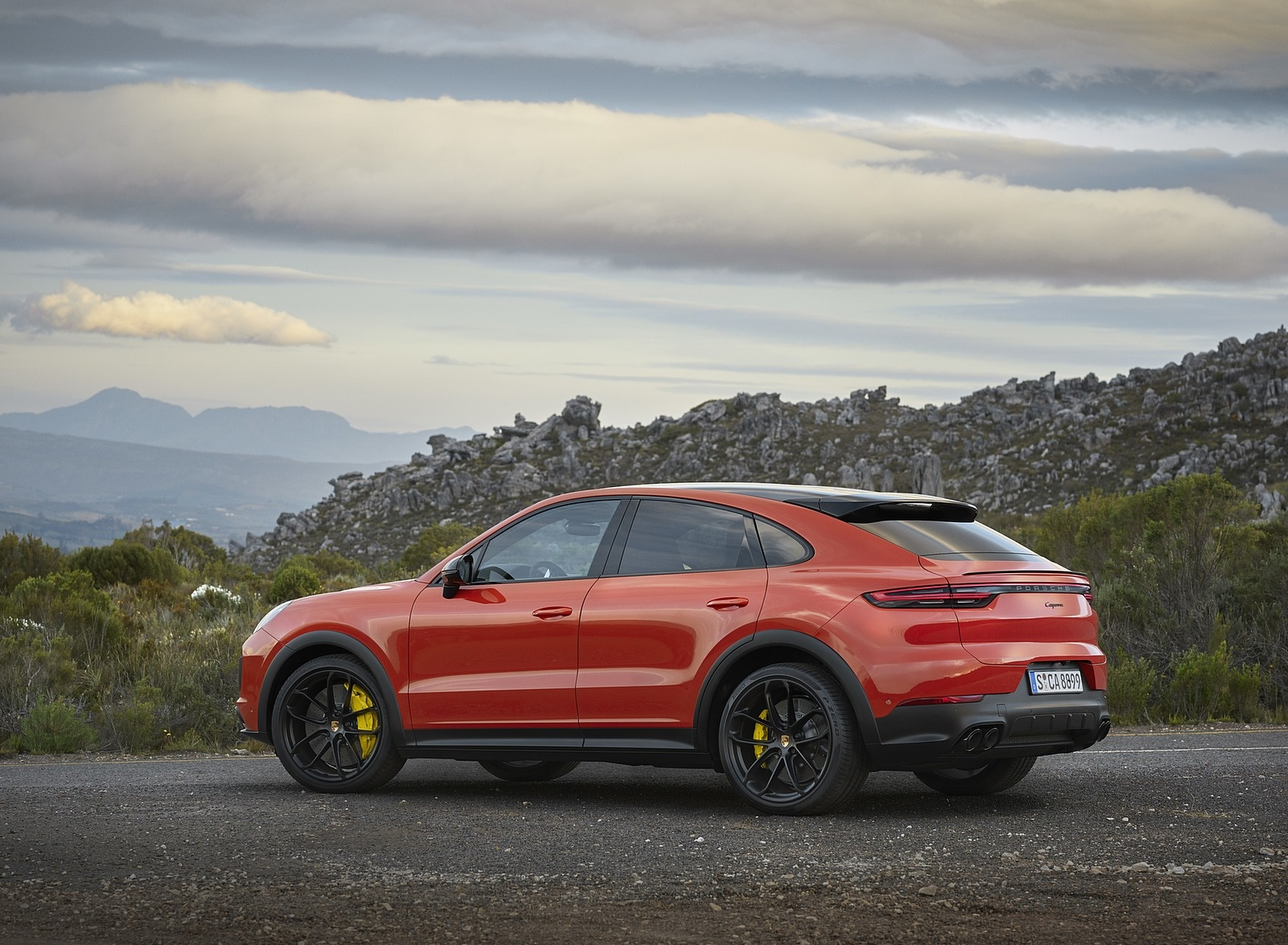 2020 Porsche Cayenne Coupe Rear Three-Quarter Wallpaper (10)