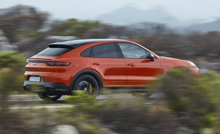 2020 Porsche Cayenne Coupe Rear Three-Quarter Wallpapers 450x275 (174)
