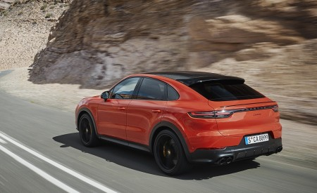 2020 Porsche Cayenne Coupe Rear Three-Quarter Wallpapers 450x275 (175)