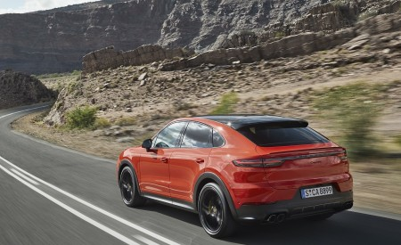 2020 Porsche Cayenne Coupe Rear Three-Quarter Wallpapers 450x275 (176)