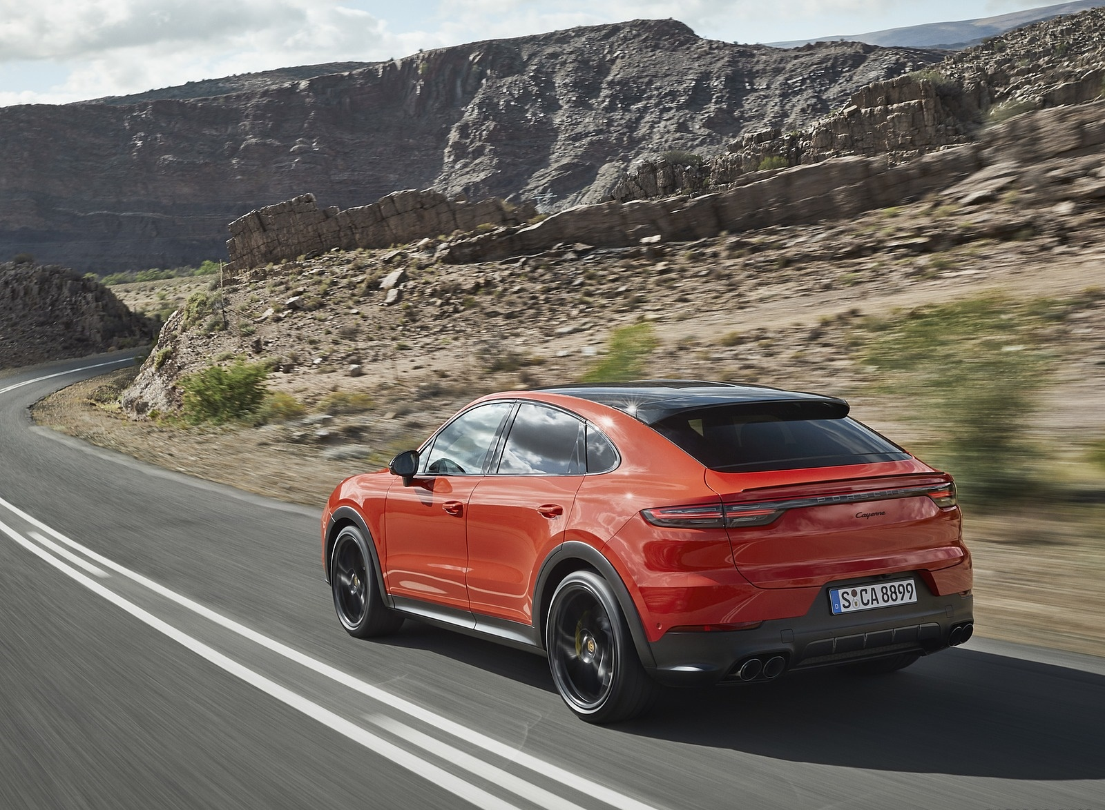 2020 Porsche Cayenne Coupe Rear Three-Quarter Wallpaper (4)