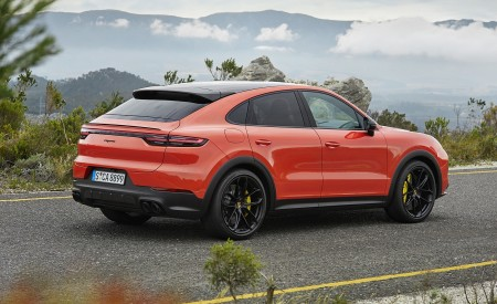 2020 Porsche Cayenne Coupe Rear Three-Quarter Wallpapers 450x275 (183)
