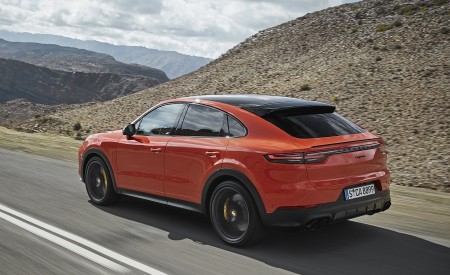 2020 Porsche Cayenne Coupe Rear Three-Quarter Wallpapers 450x275 (178)