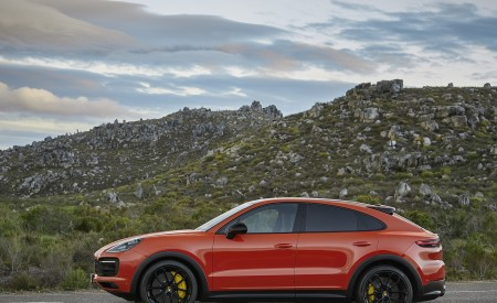 2020 Porsche Cayenne Coupe Side Wallpapers 450x275 (185)