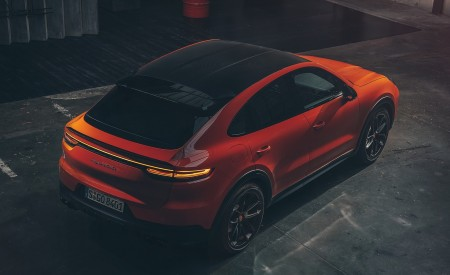 2020 Porsche Cayenne Coupe Top Wallpapers 450x275 (198)