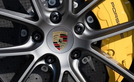 2020 Porsche Cayenne S Coupé (Color: Crayon) Brakes Wallpapers 450x275 (62)