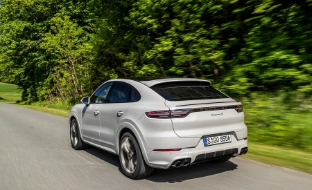2020 Porsche Cayenne S Coupé (Color: Crayon) Rear Three-Quarter Wallpapers 450x275 (42)