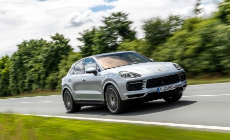 2020 Porsche Cayenne S Coupé (Color: Dolomite Silver Metallic) Front Three-Quarter Wallpapers 450x275 (85)