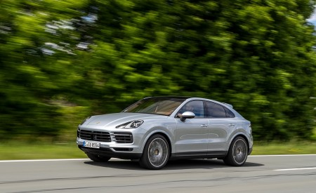 2020 Porsche Cayenne S Coupé (Color: Dolomite Silver Metallic) Front Three-Quarter Wallpapers 450x275 (76)