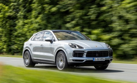 2020 Porsche Cayenne S Coupé (Color: Dolomite Silver Metallic) Front Three-Quarter Wallpapers 450x275 (86)