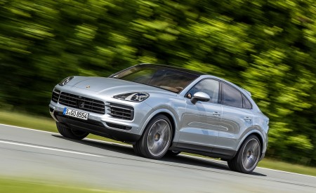 2020 Porsche Cayenne S Coupé (Color: Dolomite Silver Metallic) Front Three-Quarter Wallpapers 450x275 (78)
