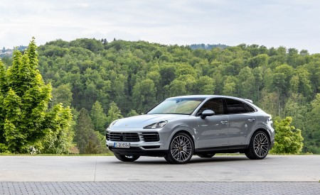 2020 Porsche Cayenne S Coupé (Color: Dolomite Silver Metallic) Front Three-Quarter Wallpapers 450x275 (106)