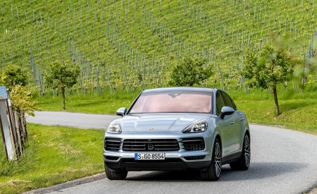 2020 Porsche Cayenne S Coupé (Color: Dolomite Silver Metallic) Front Wallpapers 450x275 (92)
