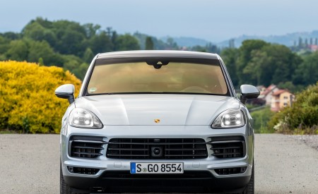 2020 Porsche Cayenne S Coupé (Color: Dolomite Silver Metallic) Front Wallpapers 450x275 (107)