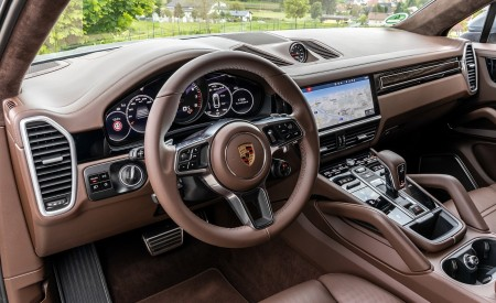 2020 Porsche Cayenne S Coupé (Color: Dolomite Silver Metallic) Interior Wallpapers 450x275 (127)