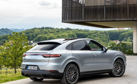 2020 Porsche Cayenne S Coupé (Color: Dolomite Silver Metallic) Rear Three-Quarter Wallpapers 450x275 (108)