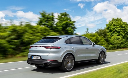2020 Porsche Cayenne S Coupé (Color: Dolomite Silver Metallic) Rear Three-Quarter Wallpapers 450x275 (96)