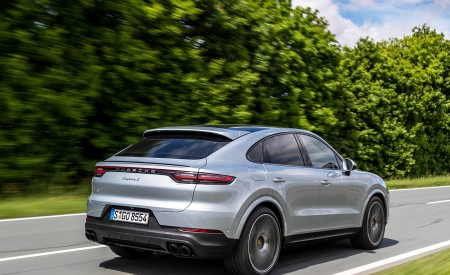 2020 Porsche Cayenne S Coupé (Color: Dolomite Silver Metallic) Rear Three-Quarter Wallpapers 450x275 (80)