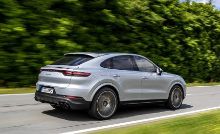 2020 Porsche Cayenne S Coupé (Color: Dolomite Silver Metallic) Rear Three-Quarter Wallpapers 450x275 (81)