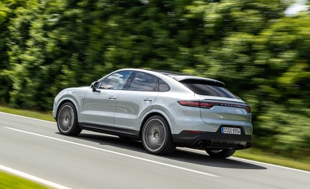 2020 Porsche Cayenne S Coupé (Color: Dolomite Silver Metallic) Rear Three-Quarter Wallpapers 450x275 (84)